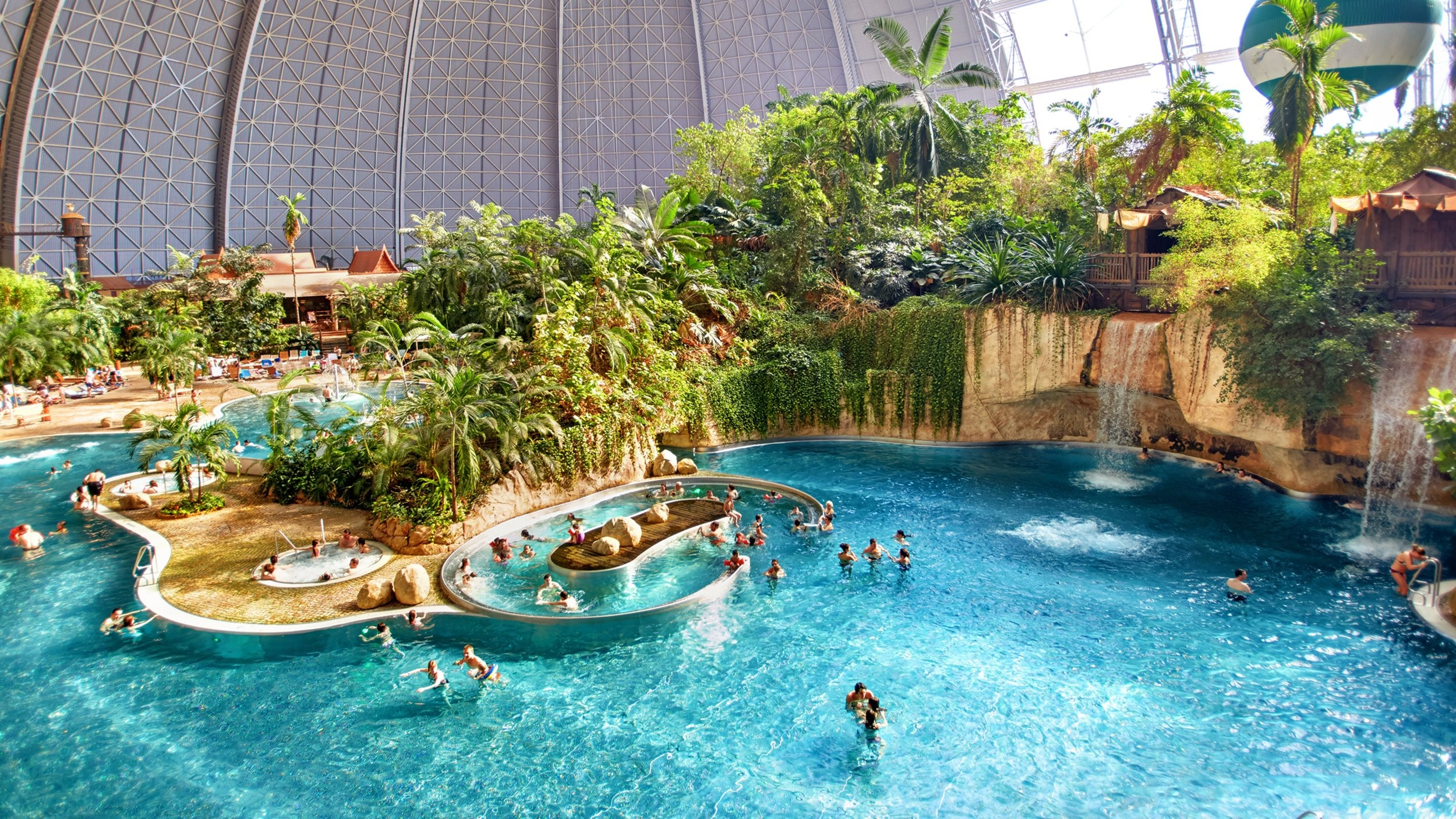 Аквапарк  Tropical Islands