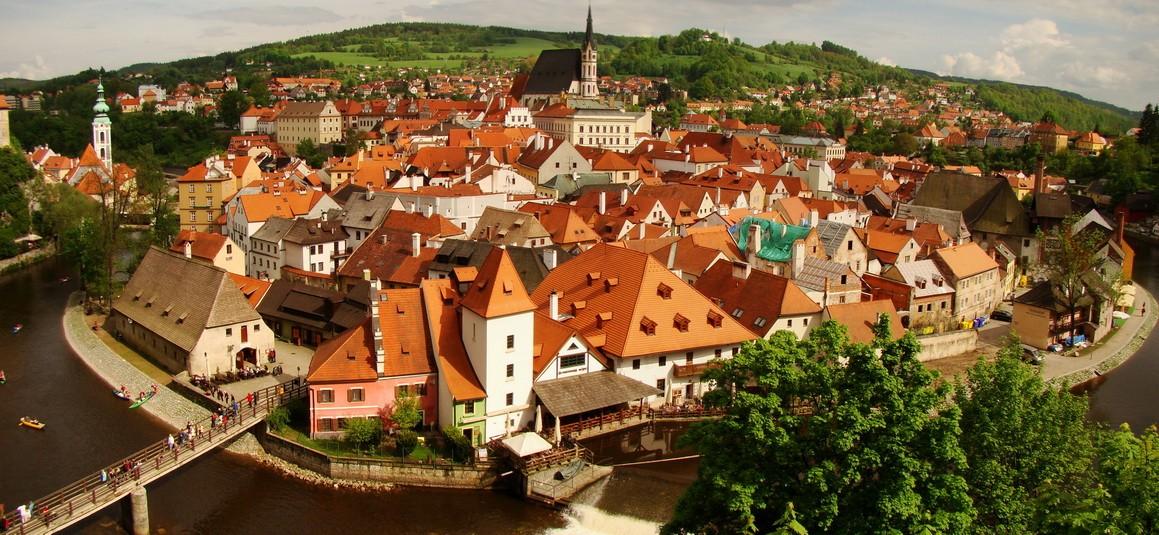 Экскурсия из Праги в Крумлов и Замок Глубока
