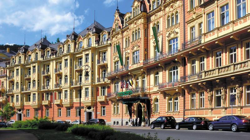 Индивидуальная экскурсия в Карловы вары, Крушовице и замок Локет