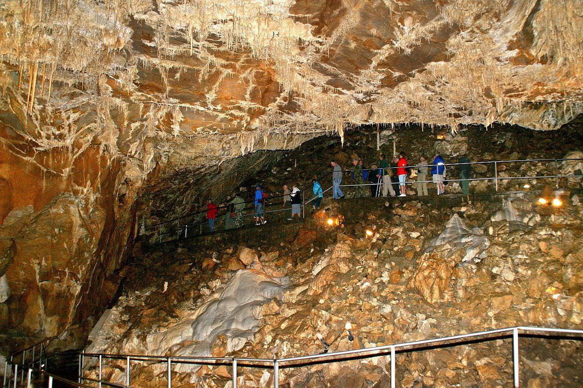 карстовые пещеры Чехия