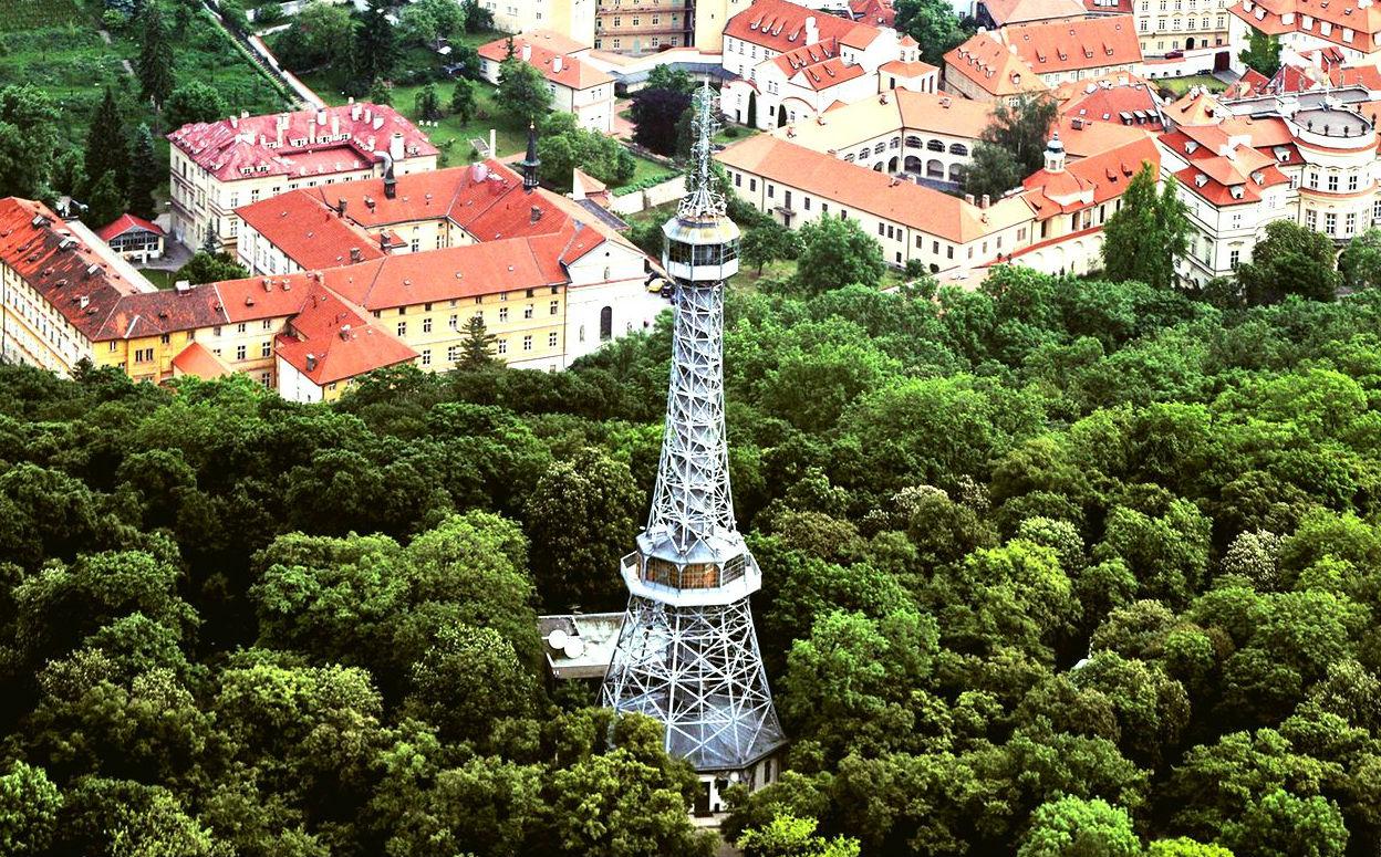 Петржинская башня в Праге